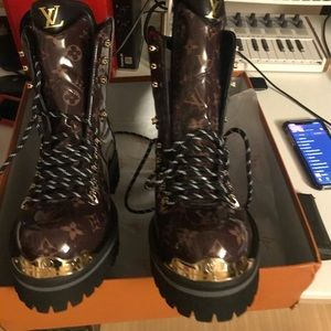 Lv patent leather boots unisex size 44(11)